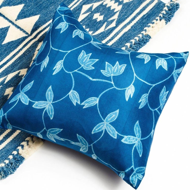 Folio Indigo Floral Pattern Shibori Silk Pillow In New Condition For Sale In Bloomfield Hills, MI