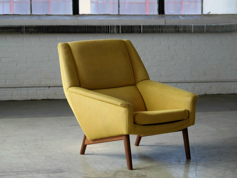 Classic and very elegant lounge chair designed by Folke Ohlsson in the 1950s for Fritz Hansen. We love the elegant angles of the chairs and the legs combined the slim cushions. Very cutting edge in their day and just very timeless modern pieces.