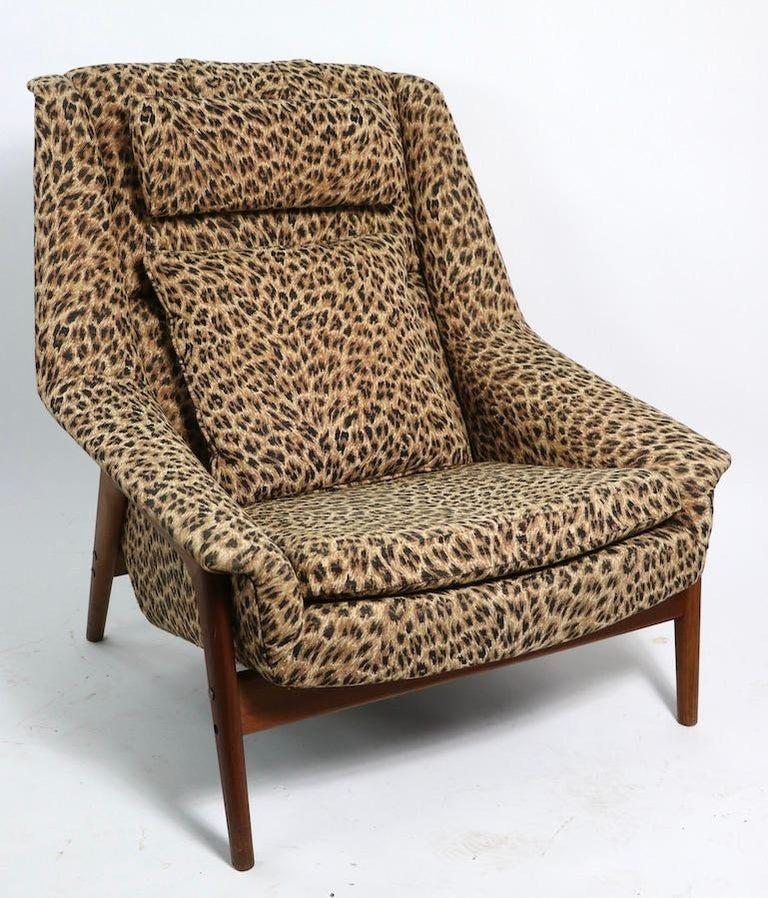 Scandinavian Modern Folke Ohlsson Lounge Chair by DUX of Sweden in Cheetah Print Fabric For Sale