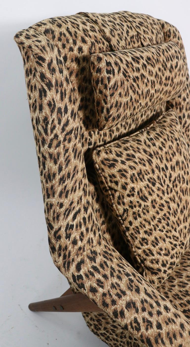 Folke Ohlsson Lounge Chair by DUX of Sweden in Cheetah Print Fabric In Good Condition For Sale In New York, NY