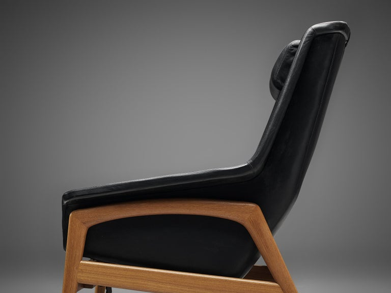Folke Ohlsson Pair of 'Profil' Lounge Chairs in Black Leather 1