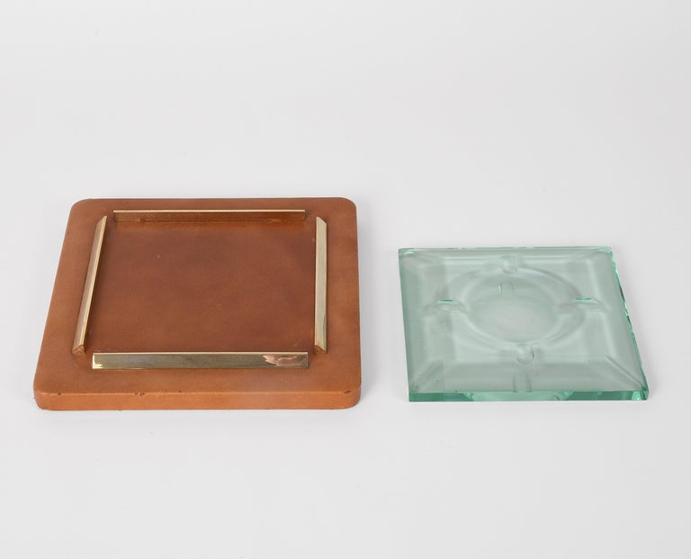 Mid-Century Modern Fontana Arte 1970s, Ashtray in Leather, Brass and Faceted Glass, Italy Art Glass For Sale