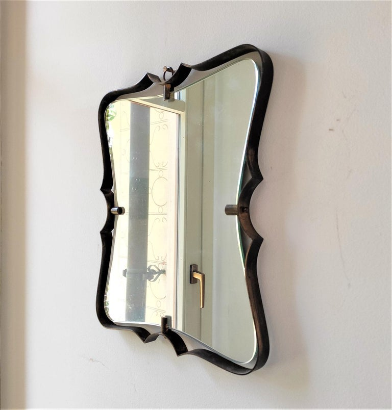 Fontana Arte Mid Century Brass Wall Mirror, Milano, 1950s In Good Condition For Sale In Milano, IT