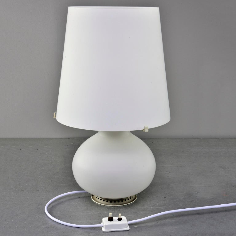 Mid-Century Modern Fontana Arte White Satin Finish All Glass Lamp and Shade For Sale