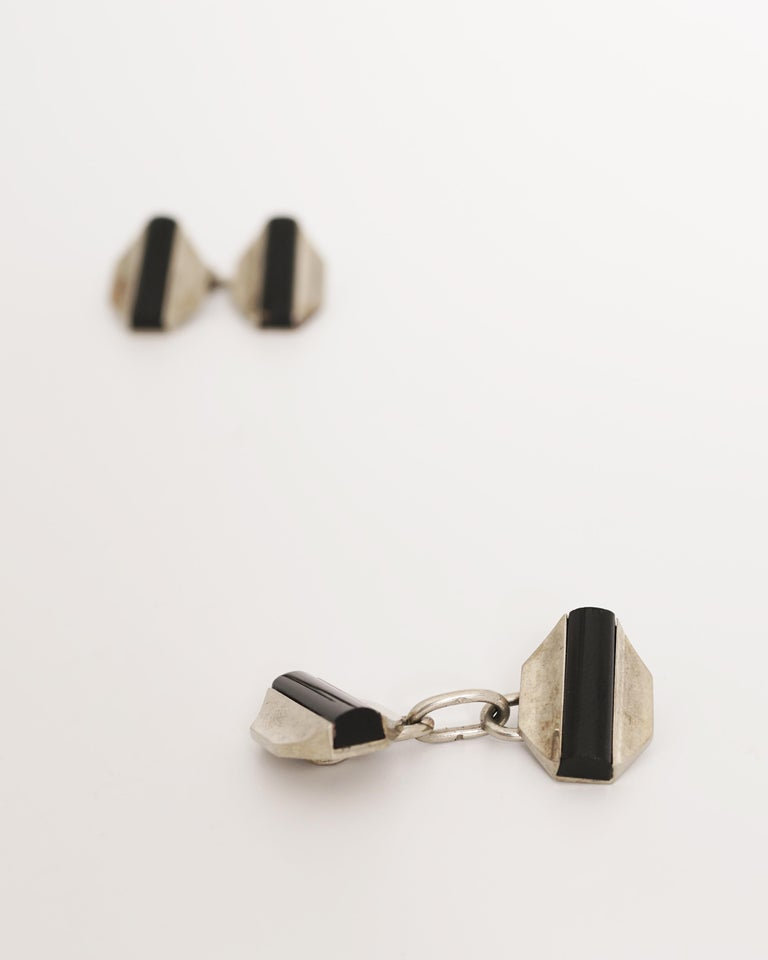 Fontana, Pair of 18 Karat Gold and Onyx Art Deco Cufflinks, circa 1930 In Good Condition For Sale In Paris, FR