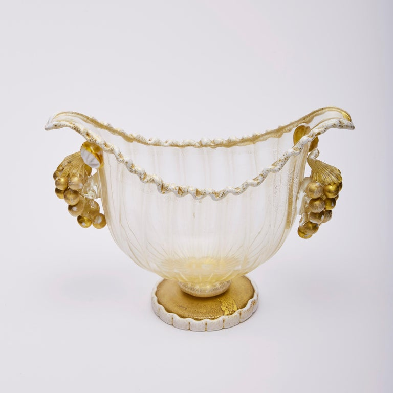 Footed Bowl Gold Leaf & Grapes, Ercole Barovier for Barovier, Toso & Co 1949 In Excellent Condition For Sale In London, GB