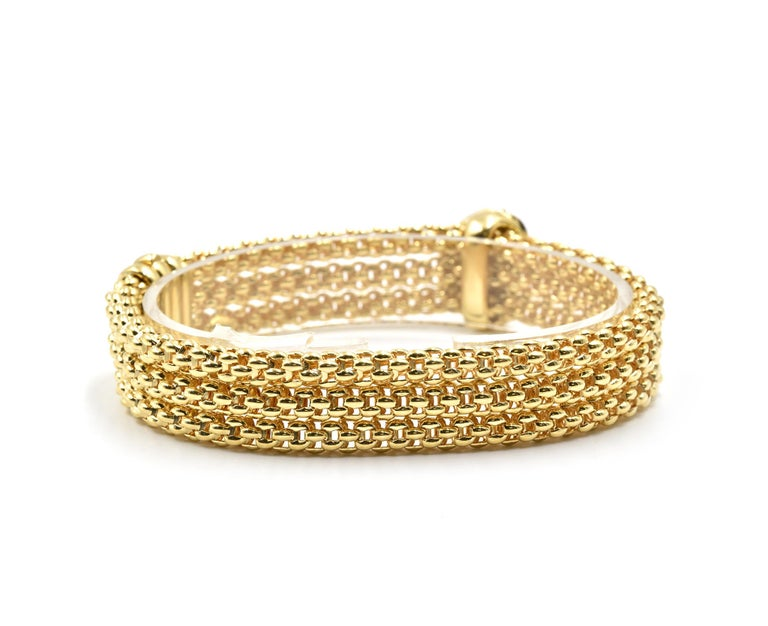 Round Cut Fope Diamond Heart Bracelet 18 Karat Yellow Gold For Sale