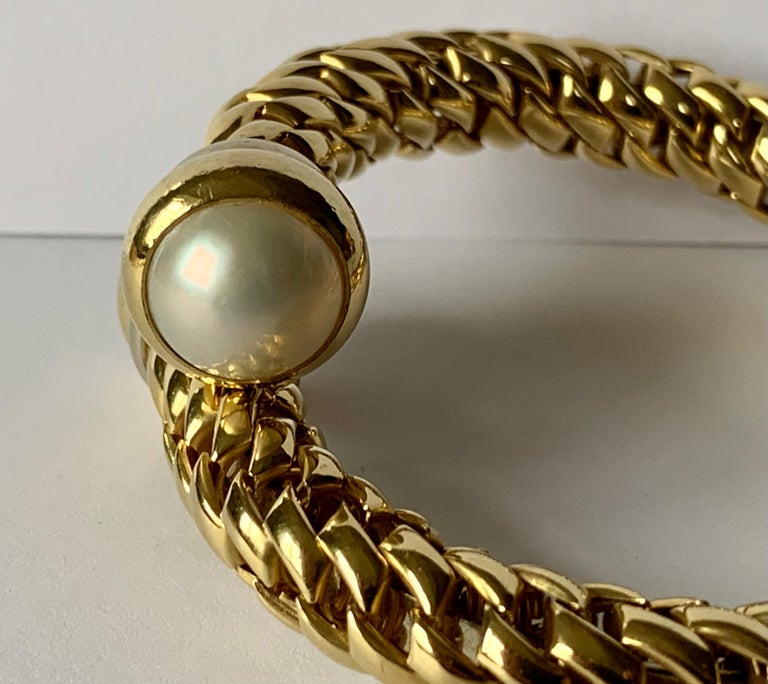 Women's or Men's Fope Italian 18 Karat Yellow Gold Coil Bracelet Pearl Endcaps For Sale