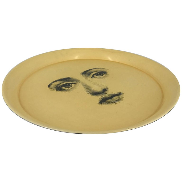Piero Fornasetti Tray, made in italy, 1960 circa white printed face  For Sale