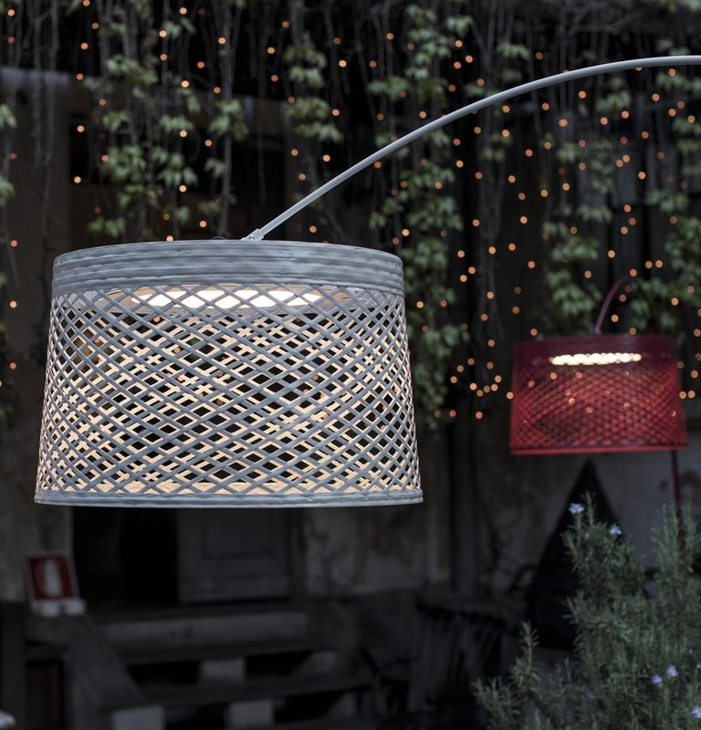 Foscarini Twiggy Grid Outdoor Floor Lamp in Carmine by Marc Sadler In New Condition For Sale In New York, NY