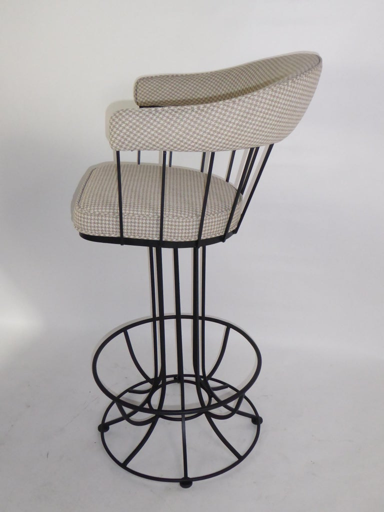 Four 1960s Swiveling Bar Stools Upholstered in Houndstooth Anton Lorenz Inspired In Good Condition For Sale In Miami, FL