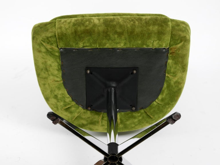 Four 1970s Space Age Rotatable Chairs by Lübke with Original Green Velvet Cover 4