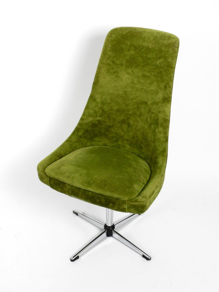Four 1970s Space Age Rotatable Chairs by Lübke with Original Green Velvet Cover 5