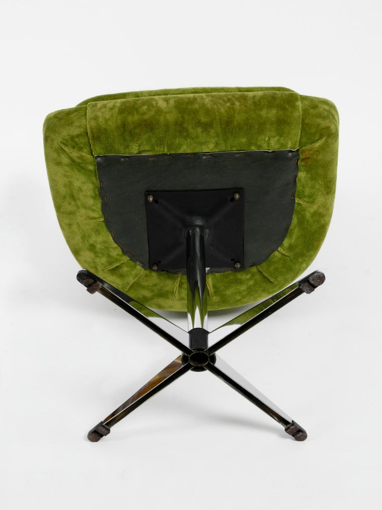Four 1970s Space Age Rotatable Chairs by Lübke with Original Green Velvet Cover 9