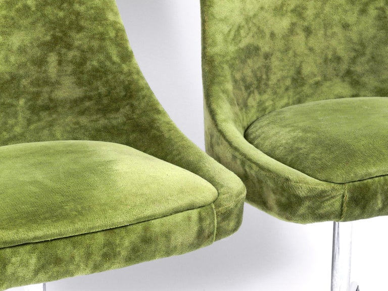Four 1970s Space Age Rotatable Chairs by Lübke with Original Green Velvet Cover 12