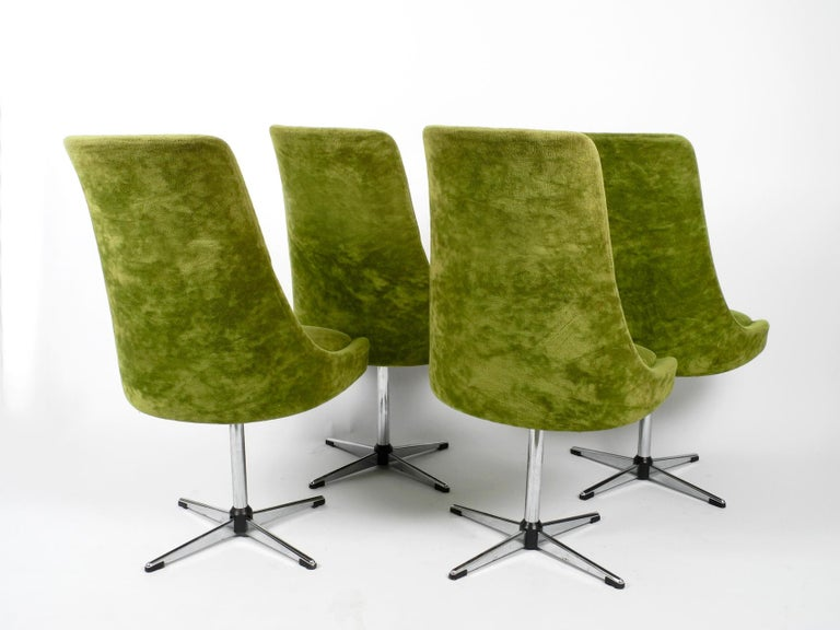 German Four 1970s Space Age Rotatable Chairs by Lübke with Original Green Velvet Cover