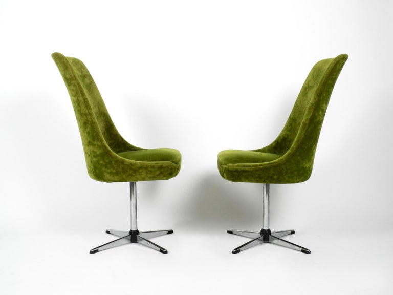 Late 20th Century Four 1970s Space Age Rotatable Chairs by Lübke with Original Green Velvet Cover