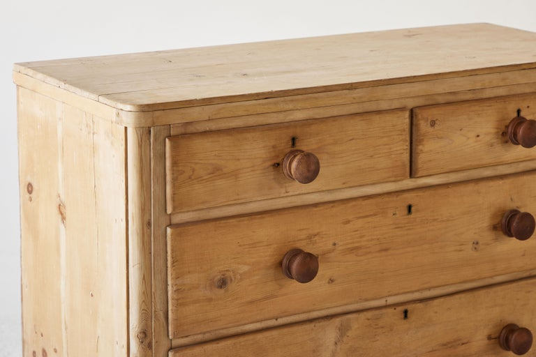 Four Drawer Pine Dresser  For Sale 3
