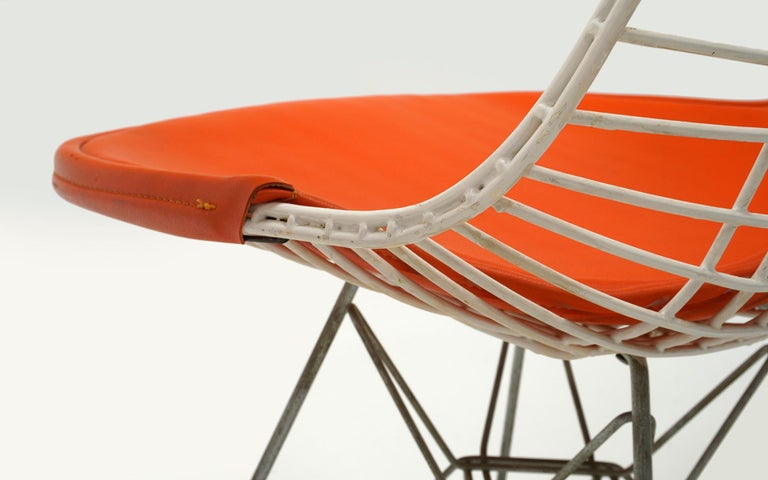 Four Eames White Wire DKR Dining Chairs, Eiffel Tower Base, Orange Bikini Covers For Sale 3