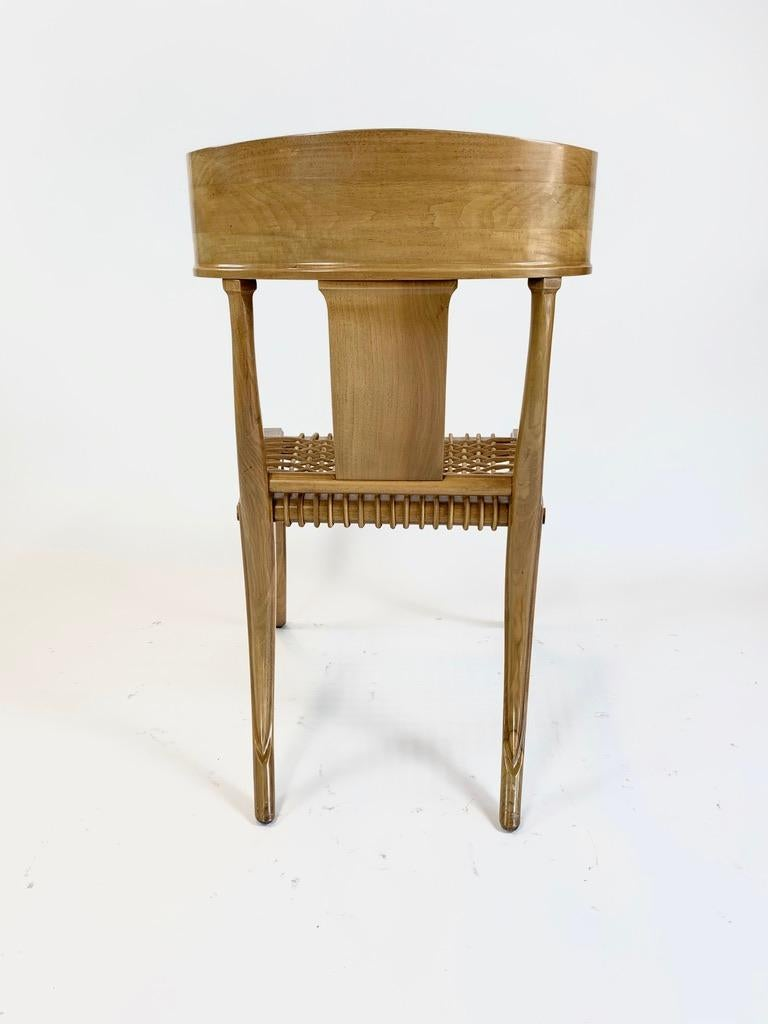 Neoclassical Revival Four Handsome Neoclassical Klismos Chairs in the Manner of TH Robsjohn Gibbings For Sale