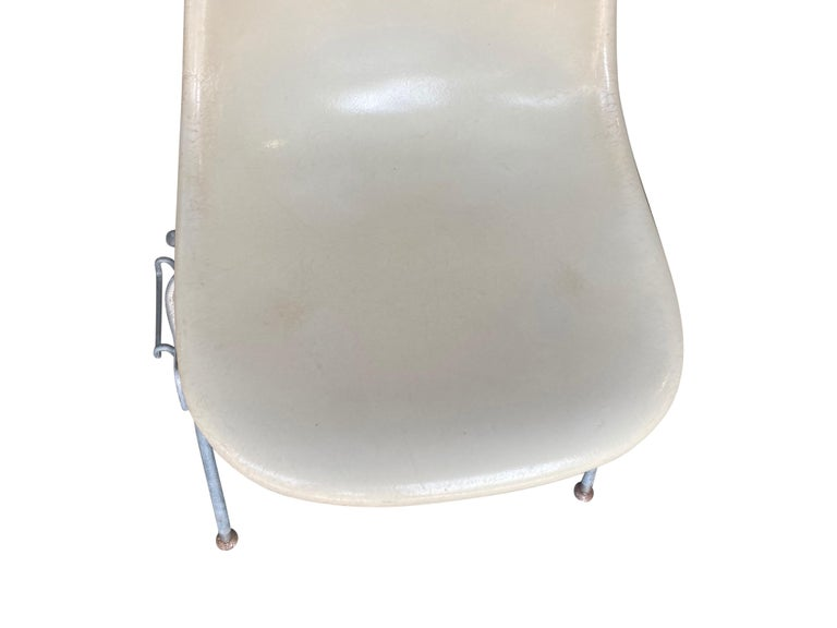 Four Herman Miller Eames Fiberglass Stacking Dining Chairs For Sale 4