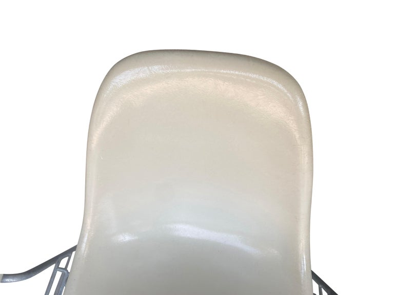 Four Herman Miller Eames Fiberglass Stacking Dining Chairs For Sale 7