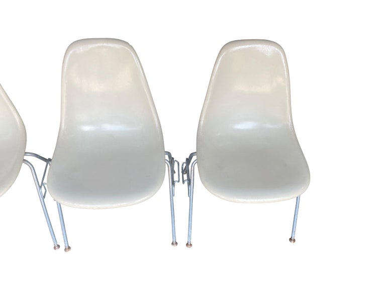 Four Herman Miller Eames Fiberglass Stacking Dining Chairs For Sale 2