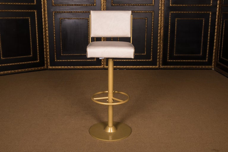 Contemporary Four High Quality Bar Stools Made of Metal in Golden Color For Sale
