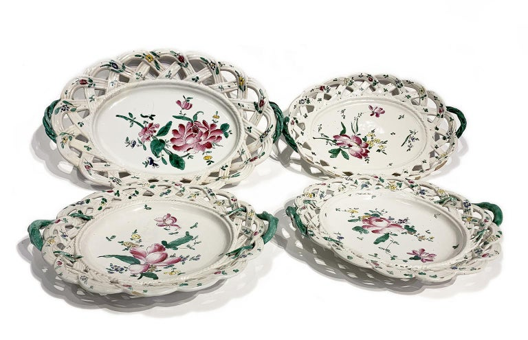 Neoclassical Four Italian Ancient Dishes, Lodi, circa 1770-1780 For Sale