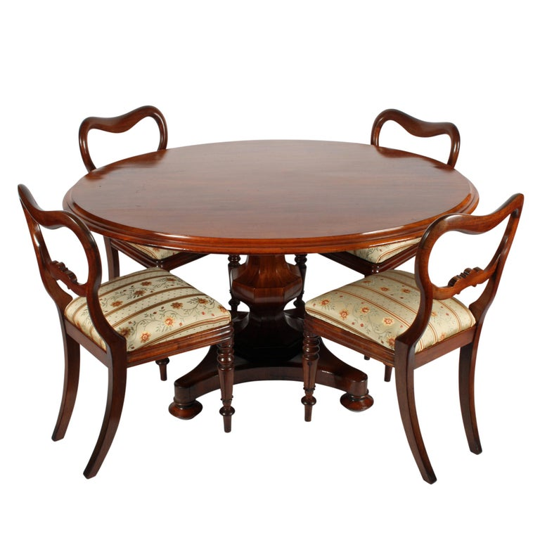 Four Mahogany 'Kidney' Back Chairs For Sale 4