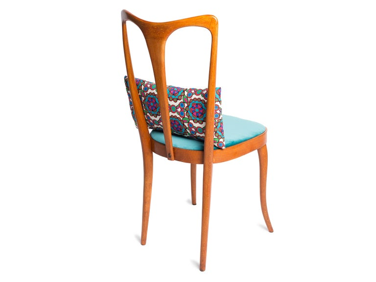 20th Century Four Midcentury Italian Birch Chairs with Vintage Print Pillows by LadoubleJ For Sale