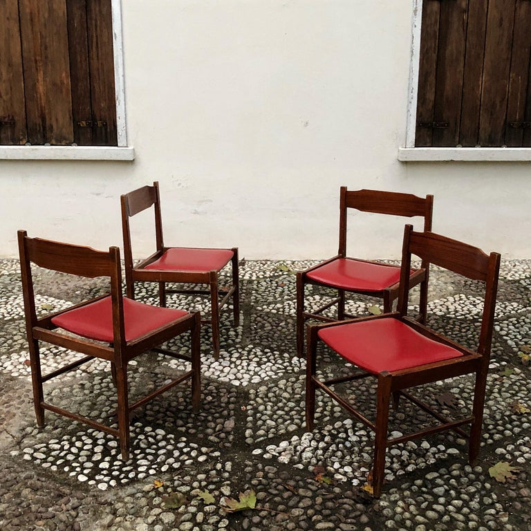 Four Midcentury Dining Chairs in Skai and Beech by Gianfranco Frattini, 1960s In Good Condition For Sale In Lonigo, IT