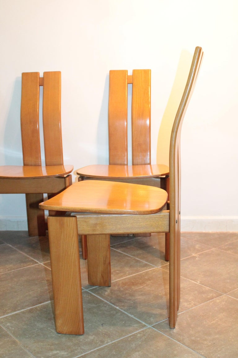 Four Modernist Italian Chairs in the style of Afra and Tobia Scarpa 1970s  For Sale 10