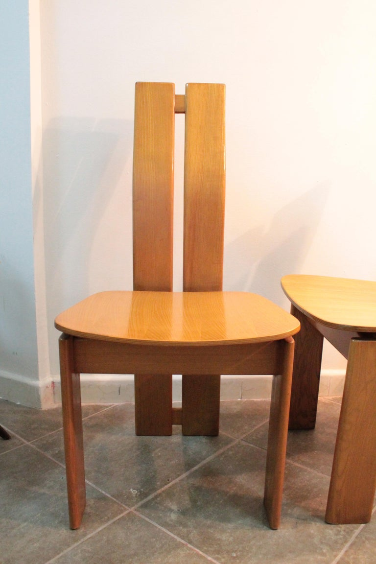 Wood Four Modernist Italian Chairs in the style of Afra and Tobia Scarpa 1970s  For Sale