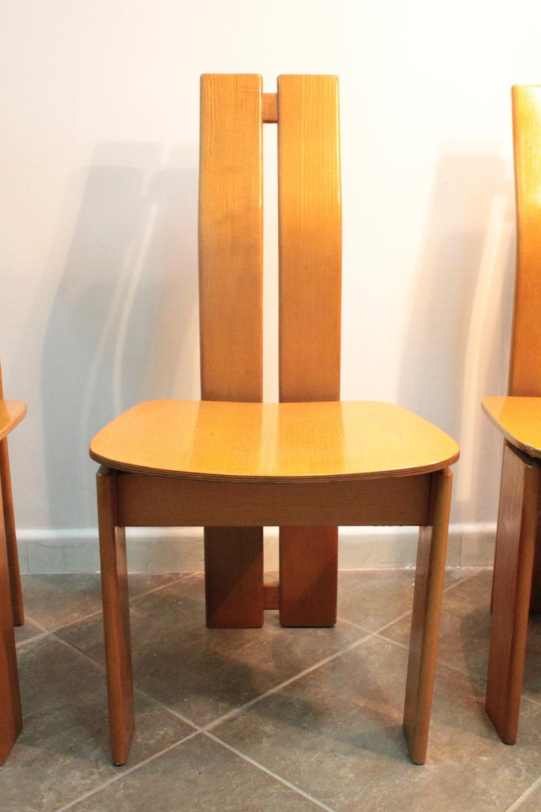 Four Modernist Italian Chairs in the style of Afra and Tobia Scarpa 1970s  For Sale 2