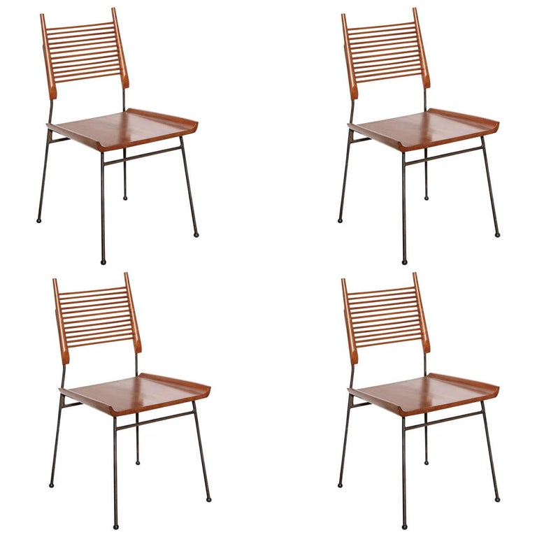 """Four Paul McCobb Maple and Black Enameled Iron Refinished """"Shovel"""" Chairs, 1950s For Sale"""