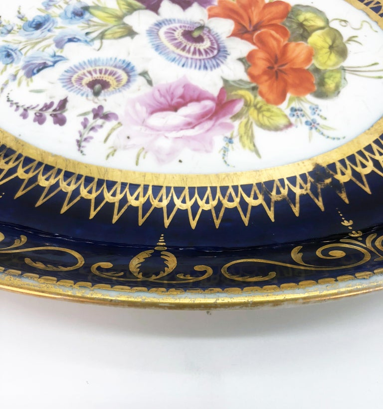 Four Regency Hand Painted Porcelain Dishes by Coalport, circa 1805 In Good Condition For Sale In London, GB