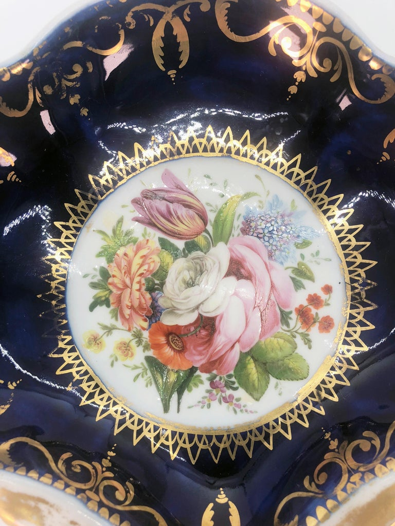 Four Regency Hand Painted Porcelain Dishes by Coalport, circa 1805 For Sale 2