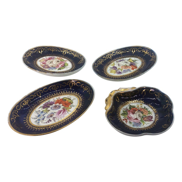 Four Regency Hand Painted Porcelain Dishes by Coalport, circa 1805 For Sale