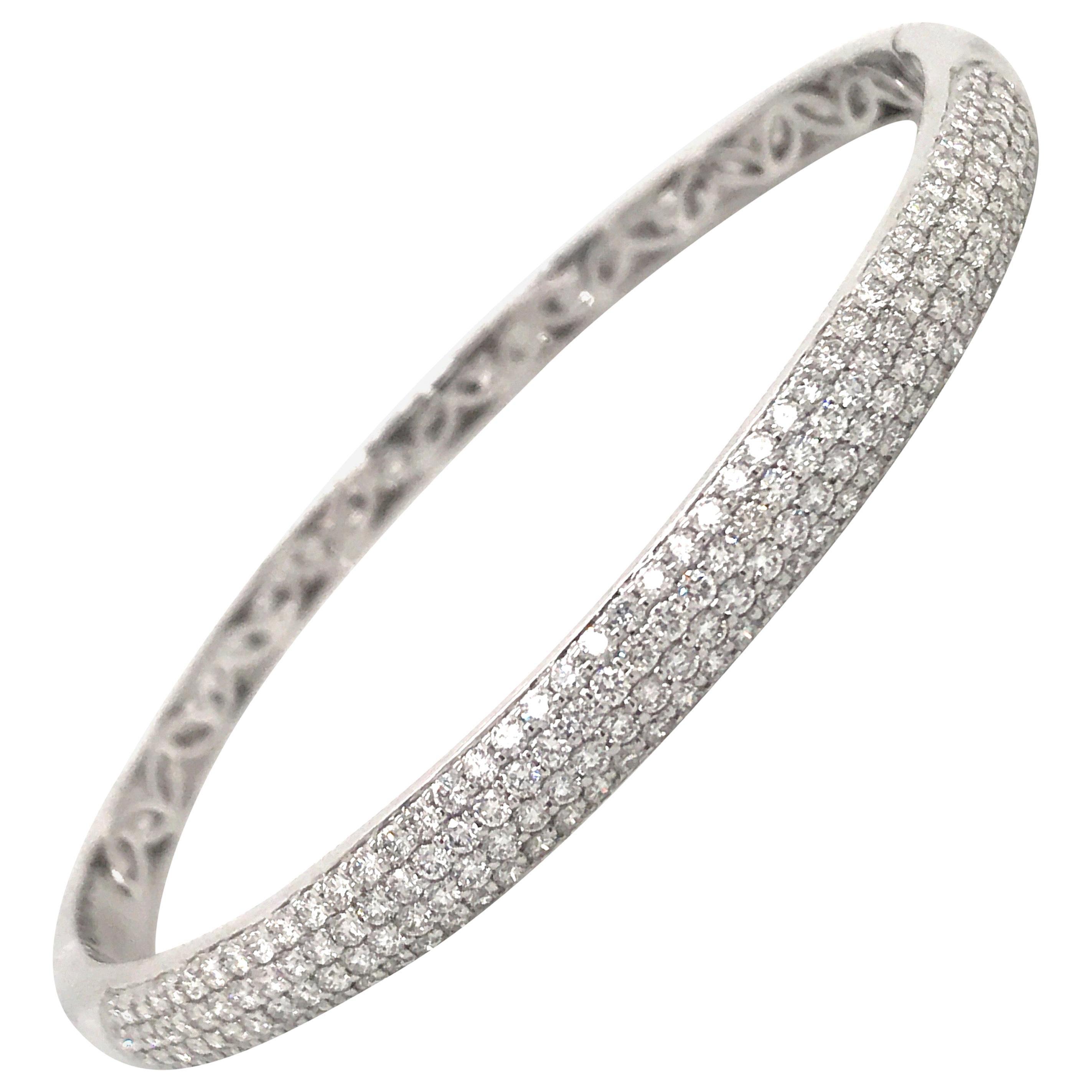 HARBOR D. Four-Row Diamond Bangle 2.26 Carat 18 Karat White Gold