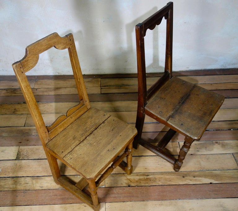 A Set Of Four Small French 18th Century Backstools, Lorraine Oak Side Chairs For Sale 7