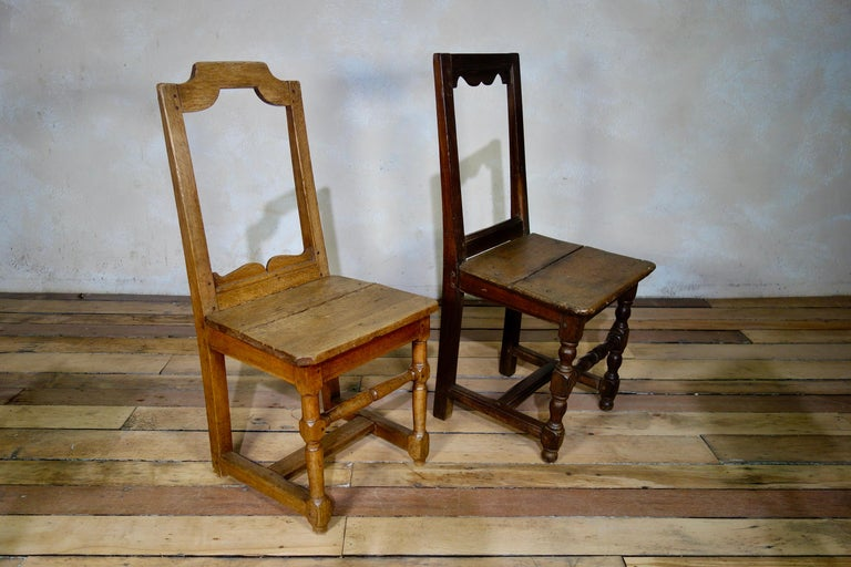 A Set Of Four Small French 18th Century Backstools, Lorraine Oak Side Chairs For Sale 8