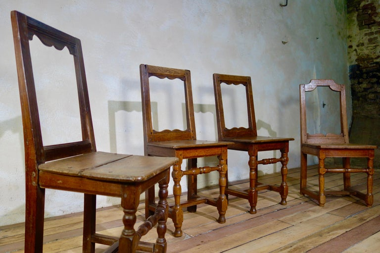 A Set Of Four Small French 18th Century Backstools, Lorraine Oak Side Chairs For Sale 10