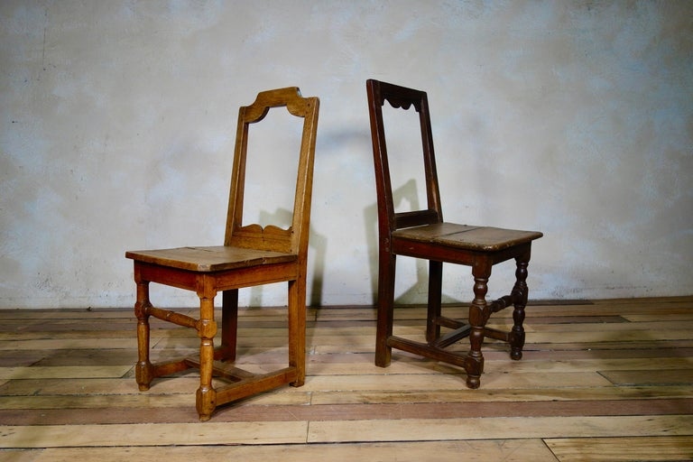A Set Of Four Small French 18th Century Backstools, Lorraine Oak Side Chairs For Sale 4