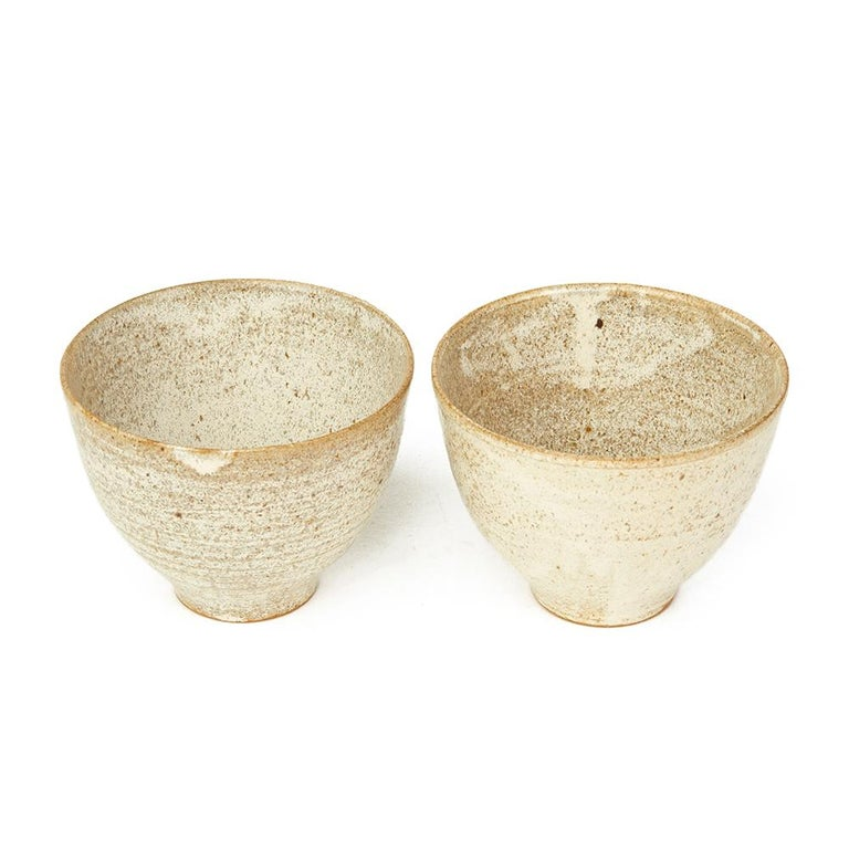 Four Studio Pottery Oatmeal Glazed Bowls, 20th Century For Sale 3