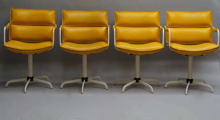 Metal One of Four Swivel Armchairs in Yellow Leather and White Base For Sale