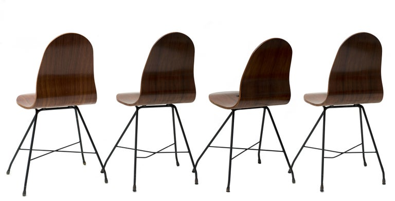 Four Vintage Wooden Chairs by Franco Campo and Carlo Graffi, 1950s In Good Condition For Sale In Roma, IT