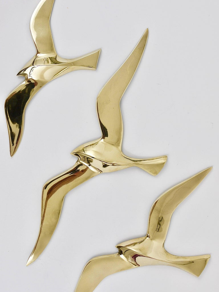 Four Wall-Mounted Midcentury Seagull Bird Brass Sculptures, Austria, 1950s In Excellent Condition For Sale In Vienna, AT