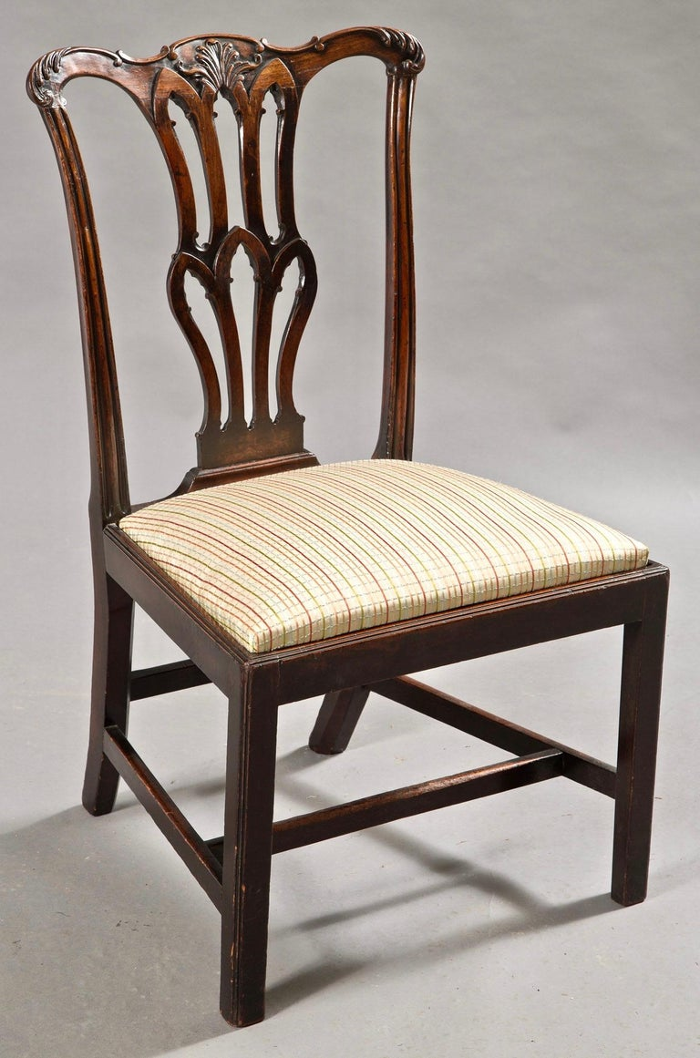 Fourteen George III Chippendale Mahogany Dining Chairs In Good Condition For Sale In Essex, MA
