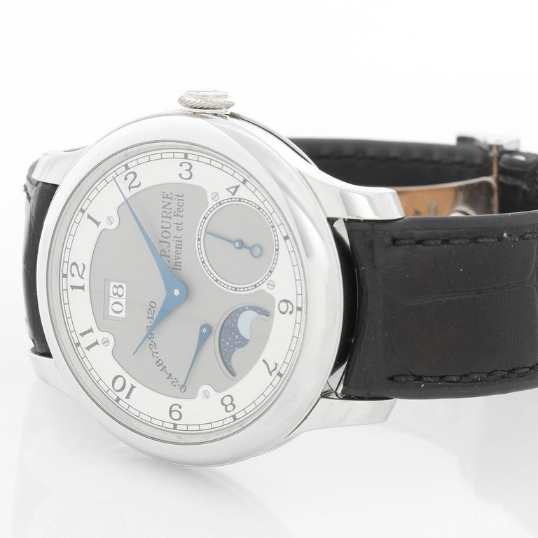 F.P. Journe Octa Divine Platinum Men's Watch   - Automatic winding . Platinum round case with exposition back (40 mm) . Gray and Silver dial with Arabic numeral. Black F.P. Journe leather strap with Platinum F. P. Journe Deployant clasp . Pre-owned